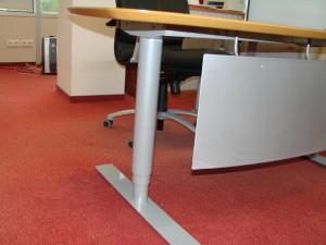 Reguliuojamo aukščio darbo stalai
