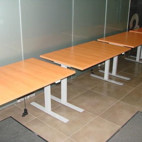 Elektra reguliuojamo aukščio stalai