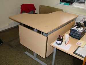Ergonomiški kampiniai stalai su stalčiais Ergos EL 500