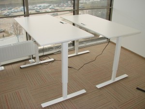 Reguliuojamo aukščio biuro stalai